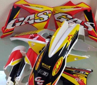 Plasticos-y-adhesivos-gas-gas-2011-1